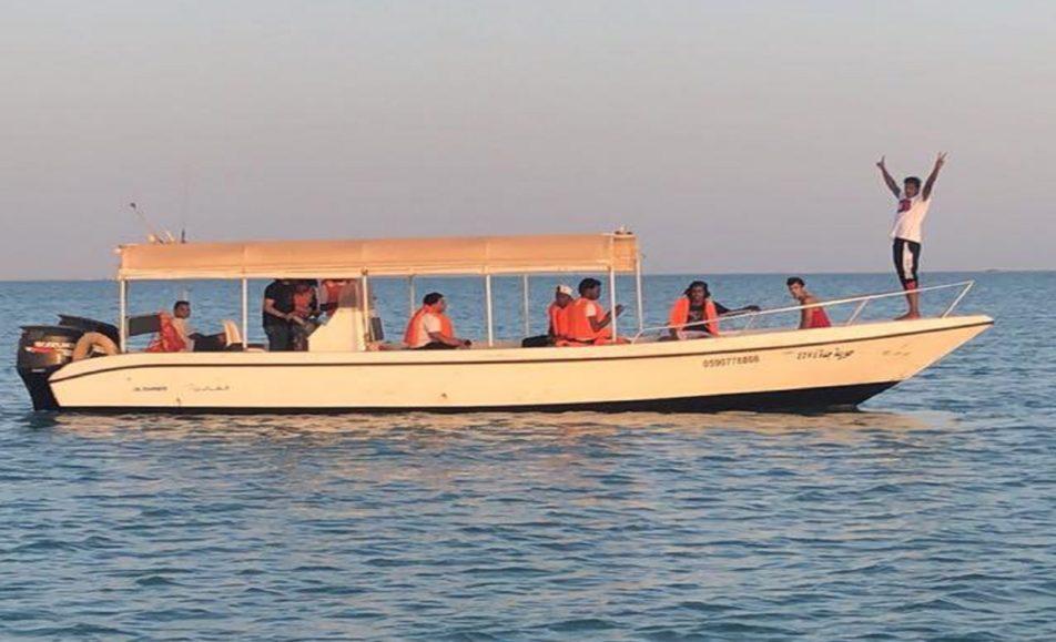 قارب حورية للرحلات البحرية
